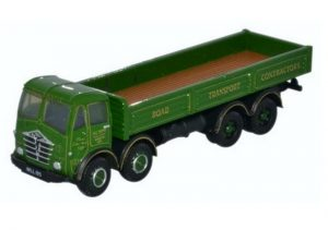 8 wheel green lorry