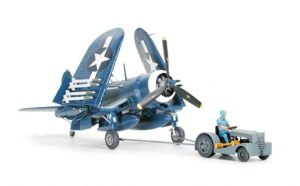 Tamiya 1/48 Corsair F4U-1D with Moto Tug 61085