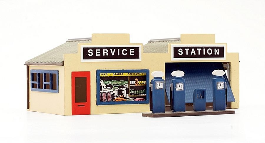 Dapol Kitmaster OO Gauge - Petrol Service Station